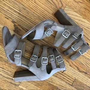 JustFab strappy sandal with block heel size 10